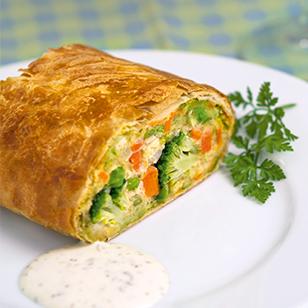 Vegetable strudel slices